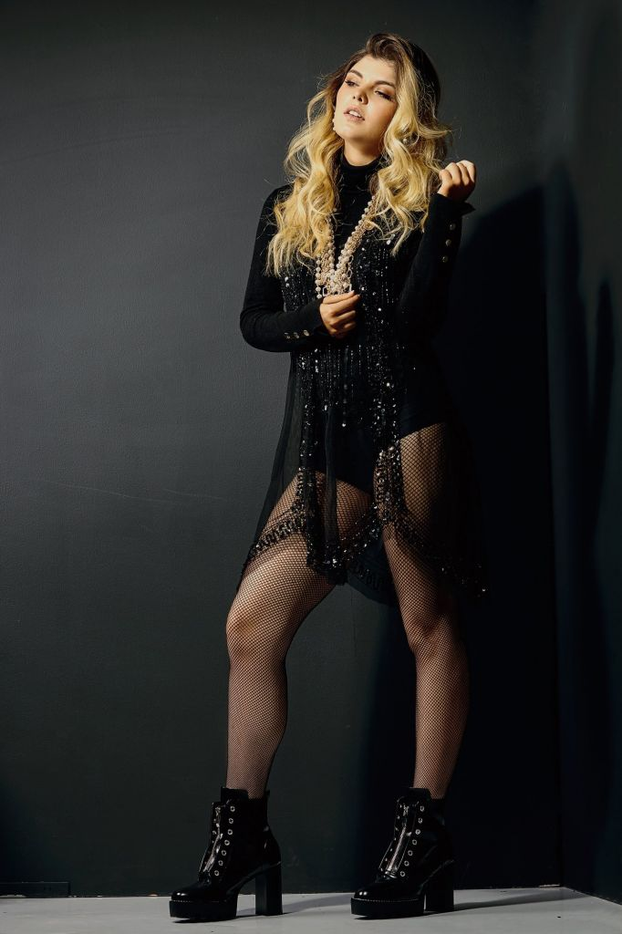 Antonia Jones - Cantante - Colombia